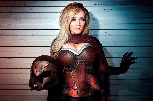 Cosplay Chica Magneto